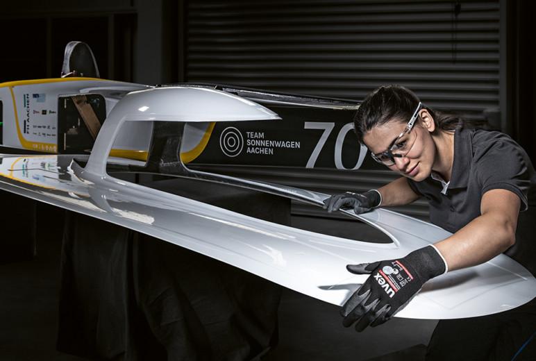 Studierende konstruieren Solarrennwagen