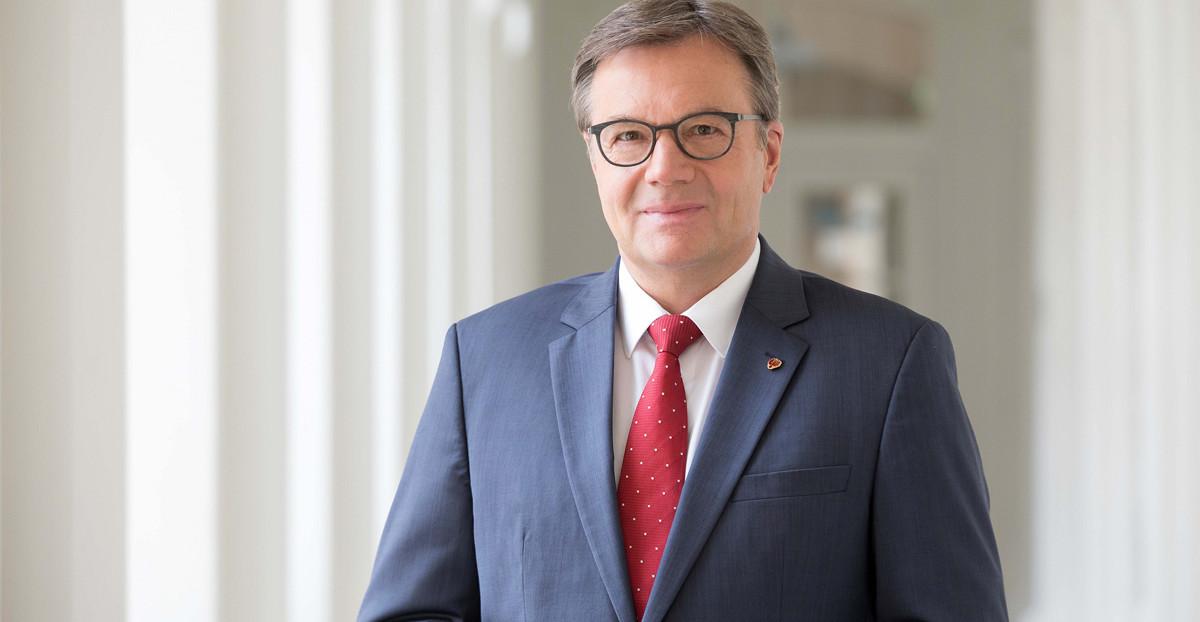 Portrait Günther Platter von der Österreichischen Volkspartei (ÖVP)