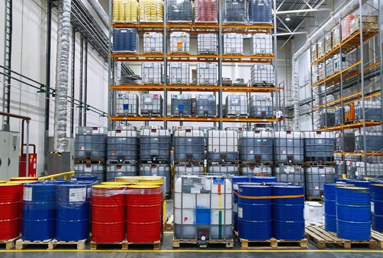 Gefahrstoffe in ortsbeweglichen Behältern lagern